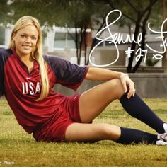 After a career of helping put softball on the map (as well as helping to show men to see female athletes for the beauty they have, not only as underachieving, ugly women), pitcher Jennie Finch is hanging up her cleats. Softball Uniforms, Sports Uniforms, Softball Mom, Softball Players, Jennie Finch Pitching, Superstar, Diesel, Star Wars, Sport Icon