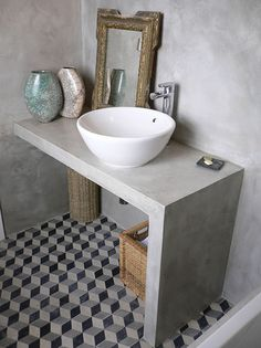 Interior design of a bathroom can either be made in the same style with the rest of the house design, or radically different from it. Bad Inspiration, Bathroom Inspiration, Ideas Baños, Ideas Para, Concrete Bathroom, Rustic Mirrors, Vintage Bathrooms, White Bathrooms, Modern Bathrooms