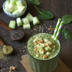 Green Tea Honeydew Smoothie This gluten-free, vegan green tea honeydew smoothie is loaded with the healing powers and health benefits of matcha. Green Tea Honeydew Smoothie This gluten-free, vegan green Honeydew Smoothie, Green Tea Smoothie, Tea Smoothies, Healthy Smoothies, Smoothie Recipes, Honeydew Melon, Healthy Drinks, Drink Recipes, Healthy Eating