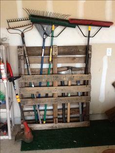 Garage pallet organization