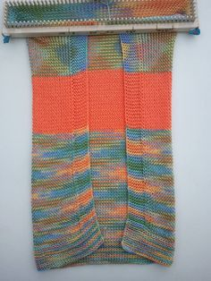 A simple baby size blanket pattern to create a lovely heirloom. Switch colors around to create a unique baby blanket. Knitting Loom: All-n-One Loom Yarn: … Loom Knitting Blanket, Loom Blanket, Loom Knitting Stitches, Knifty Knitter, Loom Knitting Projects, Arm Knitting, Fair Isle Knitting, Blanket Crochet, Cross Stitches