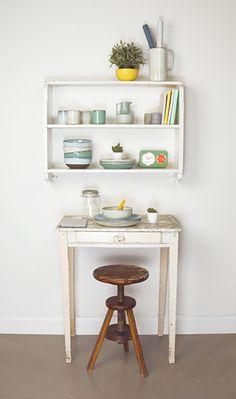 Beautiful terracotta plates, jugs, bowls... #pt #presenttime