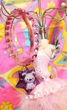Rhinestone Kawaii  Purple pound Puppy Dog  BIG Wish Star by FilthyCoffin, $17.00  Free world shipping