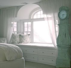 Beautiful Bedroom Window Seat- possibly try to build this in the master suite?