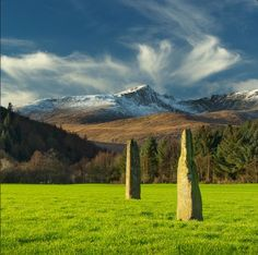 Standing Stones on the Isle of Arran, Scotland for You bet I'm writing about those ruins at the compound right now. Would love to go here someday. Who else is up for a Scottish vacation? Stonehenge, Beautiful World, Beautiful Places, Statues, Isle Of Arran, England And Scotland, Ancient Ruins, Scotland Travel, British Isles