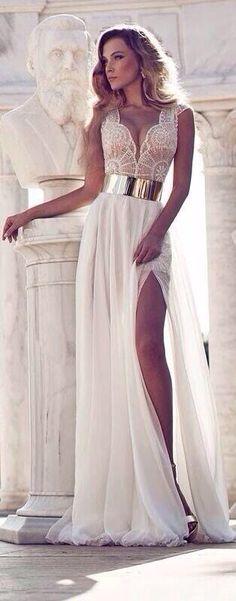 Cute wedding gown #wedding #love #diamonds