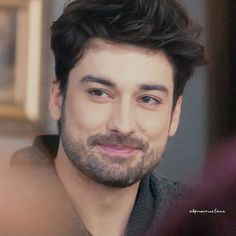 Çok tatlısın❤️ Turkish Men, Turkish Fashion, Turkish Actors, Handsome Actors, Handsome Boys, Alina Boz, Arabic Makeup, Vogue Men, Series Movies