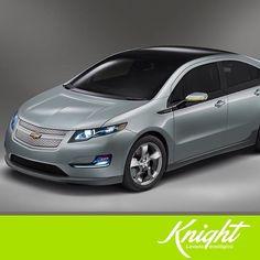 El sistema de propulsión del Chevrolet Volt permite manejar por completo con electricidad en los viajes diarios al trabajo y pasar perfectamente a gasolina para viajes más largos. Así puedes ayudar al medio ambiente sin sacrificar la potencia de tu auto. #Knight #CulturaVerde