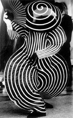 Ballet costume by Oskar Schlemmer, Bauhaus.