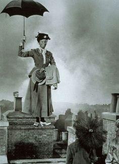"Walt Disney's ""Mary Poppins"" Julie Andrews (Disney, Mary Poppins Movie, Mary Poppins 1964, Old Movies, Great Movies, Disney Love, Disney Magic, Walt Disney, Julie Andrews, Nostalgia"
