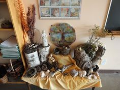Creating With Children – The Nature/Seasonal Table by Hybrid Rasta Mama