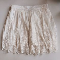 """Zara Boho Lace Miniskirt Adorable lacy white skirt. Fully lined, with pockets. 18"""" long. Great condition. Perfect for spring! Zara Skirts Mini"""