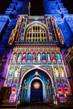 The Light of the Spirit by Patrice Warrener … a projection of light and colour that 'paints' the facade of Westminster Abbey