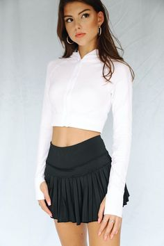 Pleated Tennis Skirt, Tennis Skirts, Types Of Jackets, Intense Workout, Sports Jacket, Skirt Outfits, Bra Tops, Mini Skirts, Tight Skirts