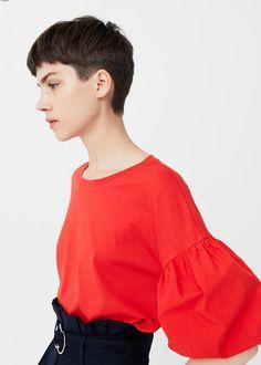 Puffed sleeves t-shirt - Women Very Short Haircuts, Short Hairstyles For Women, Really Short Hair, Short Hair Cuts, Tomboy Hairstyles, Cool Hairstyles, Beauty Tips For Hair, Hair Beauty, Androgynous Hair