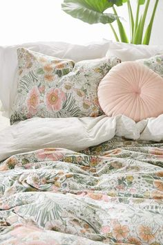 Shop Lovise Floral Jersey Duvet Cover at Urban Outfitters today. Dream Rooms, Dream Bedroom, Home Bedroom, Bedroom Decor, Bedrooms, My New Room, My Room, Office Inspiration, Boho Home