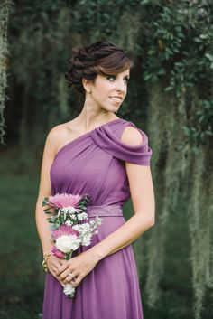 Beautiful bridesmaid look: http://www.stylemepretty.com/south-carolina-weddings/charleston/2015/03/02/radiant-runnymede-plantation-wedding/ | Photography: Michelle Lange - http://www.loveandbemarried.com/
