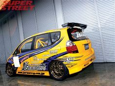 This Time Attack, import tuner car, J's Racing's 2005 Honda Fit was not created equally? Honda Jazz Sport, Honda Jazz Modified, Honda Motorsports, Honda City, Tuner Cars, Indy Cars, Custom Cars, Jdm, Fitness