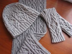 Ravelry: Frost Set (Hat) pattern by Irina Dmitrieva Cable Knitting Patterns, Knit Patterns, Knitting Ideas, Knitted Gloves, Knitted Scarves, Hat Sizes, Mittens, Knit Crochet, My Design
