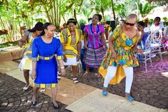Bontle Bride features real weddings with a flavour of culture, plus wedding tips, ideas, tricks and money saving articles. African Wear, African Dress, Venda Traditional Attire, African Fashion Dresses, Fashion Outfits, African Print Pants, Diy Maxi Skirt, South African Weddings, Wedding Blog
