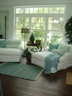 love the colors and wood floors