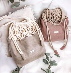 Beach Stuff Crochet Bag, Canvas Striped Summer Bags 2019 - Page 3 of 35 - belikeanactress. Macrame Bag, Macrame Cord, Leather Bags Handmade, Handmade Bags, Macrame Wall Hanging Diy, Bag Crochet, Fabric Stamping, Embroidery On Clothes, Macrame Design