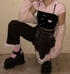Indie Outfits, Edgy Outfits, Grunge Outfits, Girl Outfits, Fashion Outfits, Pastel Goth Outfits, Grunge Fashion, Modest Fashion, Fashion Tips