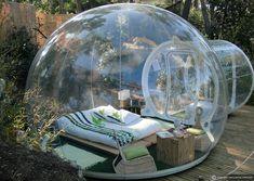 Rede de hotéis substitui quartos tradicionais por bolhas na natureza