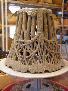 Hand Built Pottery, Slab Pottery, Pottery Vase, Ceramic Pottery, Ceramic Techniques, Pottery Techniques, Pottery Sculpture, Sculpture Clay, Ceramic Pots
