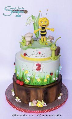 Maia Bee cake