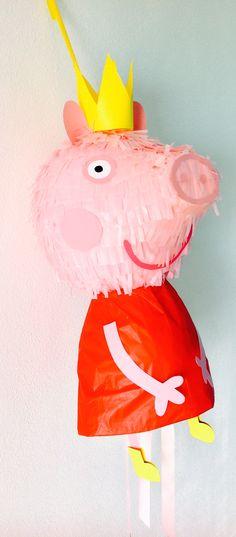 Piñata de Peppa Pig! Con sus botitas amarillas ^_^ https://www.facebook.com/ppinatas