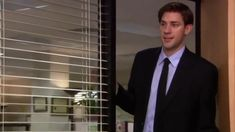 Pam The Office, The Office Show, Office Gifs, Office Jokes, The Office Characters, Paper People, Dunder Mifflin, Really Funny Memes, Funny Clips