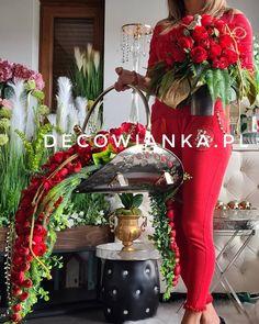 Nietuzinkowe kompozycje nagrobne z pracowni florystycznej Decowianka.pl-jakość i precyzja to nasza domena. Ladder Decor, Red And White, Christmas Wreaths, Table Decorations, Holiday Decor, Flowers, Home Decor, Decoration Home, Room Decor