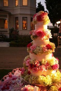 Bella Donna Wedding Cake with Fresh Flowers