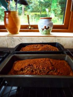 Banana & Date Loaf – my saviour when I was losing weight! Banana And Date Loaf, Cinnamon Loaf, Fad Diets, Meatloaf, Food To Make, Lose Weight, Healthy Recipes, Healthy Eating Recipes, Healthy Food Recipes