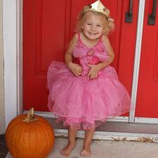 Basic Halloween Safety for Toddlers - Right Start Blog. Tips to help little ones have fun and be safe this holiday! blog.rightstart.com