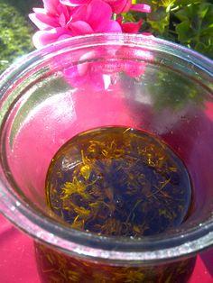 hypericum oil by www.dijamed.de