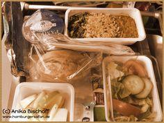 Vegan, vegetarisch im Flugzeug? Ja, das geht und am besten schmeckt es bei British Airways. Hier seht ihr mein Essen auf dem Flug von London-Atlanta. #USA #reise #urlaub #amerika #usareise #tipps #vegan #vegetarisch #flugzeugessen #fliegen (c) Anika Bischoff www.hamburgersafari.de