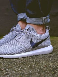 Nike Flyknit Roshe Run NM Sneakers
