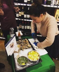 @capitaloyster is hear sharing their fabulous oysters until 7pm concurrent with our sparkling wine tasting. So good! #oysters #oystertasting #winetasting #capitolhillseattle