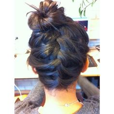love the braid, bun Hairstyles and Beauty Tips ❤ liked on Polyvore featuring beauty products, haircare, hair styling tools, hair, hairstyles, coiffure and hair styles