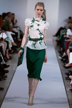 Oscar de la Renta #fashion #oscardelarent #harpersbazaar  #resort