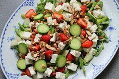 En rigtig god veninde lærte mig for et par år siden at lave denne salat, som bare er alt hvad man har lyst til på en tallerken; sødt, salt, ...