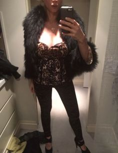 Audrey World News: AUDREY TRITTO OUTFIT FOR ROGER DUBUIS NIGHT GALA: Roberto Cavalli Top, Leggings Top Shop, Eco Fur Phard,Chanel ring,Damiani necklace.