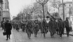 Las tropas franquistas entrando en Barcelona el 26 de enero de 1939.
