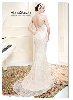 Un original escote en la espalda, esta es la propuesta de nuestro diseñador como #vestidodelasemana