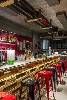 MoMix: Εκεί όπου τα cocktails γίνονται πραγματική... επιστήμη! - Clubs & Bars - Athens Magazine