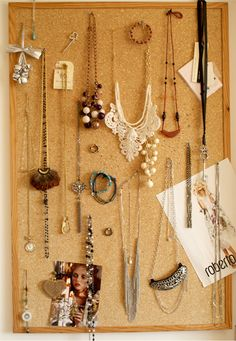 prettyworld:  I love accessories.    I really should do this. I forget how many awesome necklaces I have.