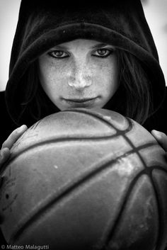Basketball girl player, Benedetta.  In Matteomalagutti's Gallery.