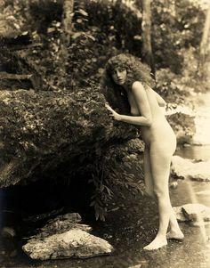 Seena Owen, 1920s. Another one of Bijoux Prindle's models.